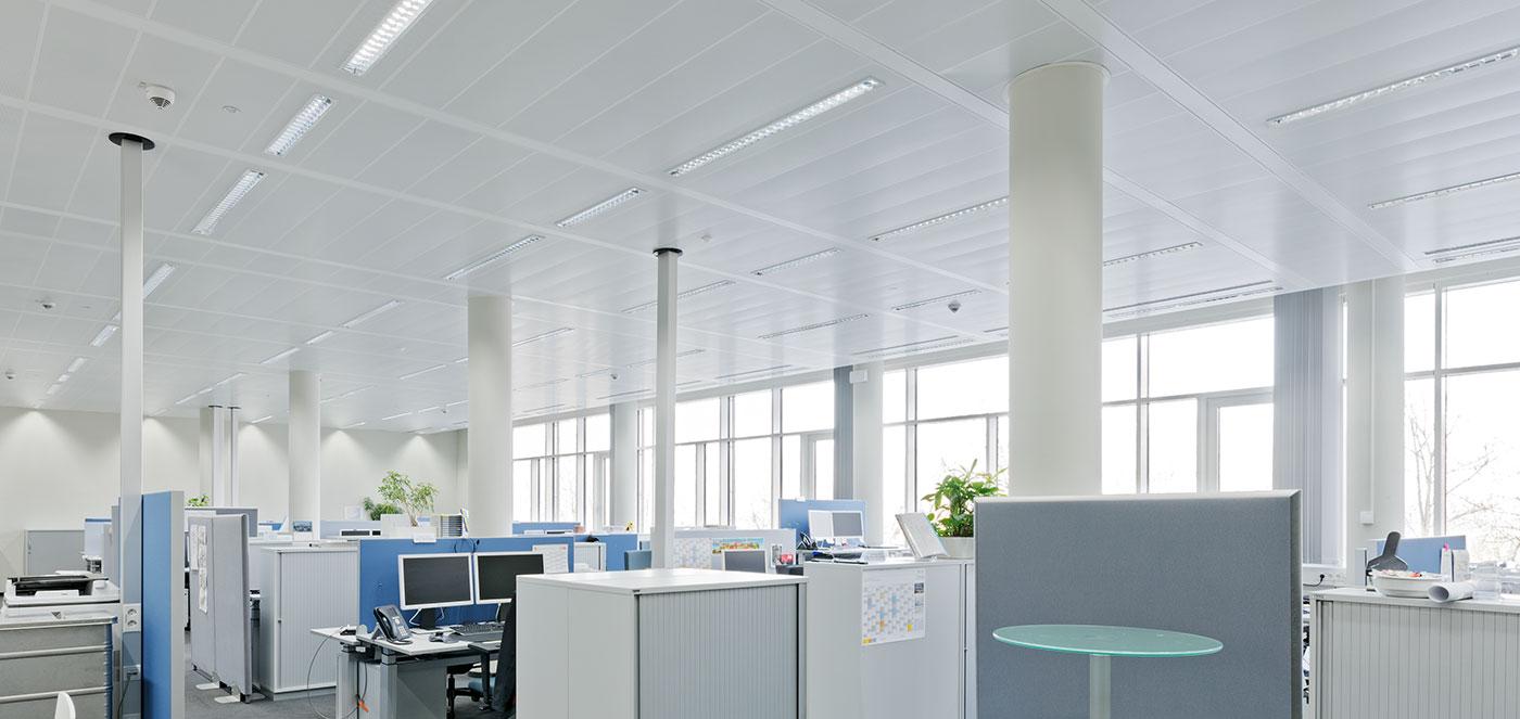 Bandrastrové - Chladící a topné podhledy, osvědčené topné a chladící technologie, akusticky účinné topné a chladící stropy.
